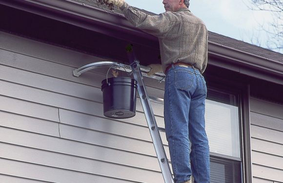 Pay Heed to These Tips When Cleaning Your Gutter